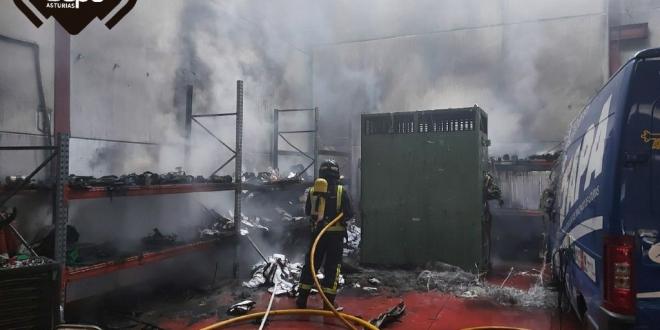 incendio nave industrial