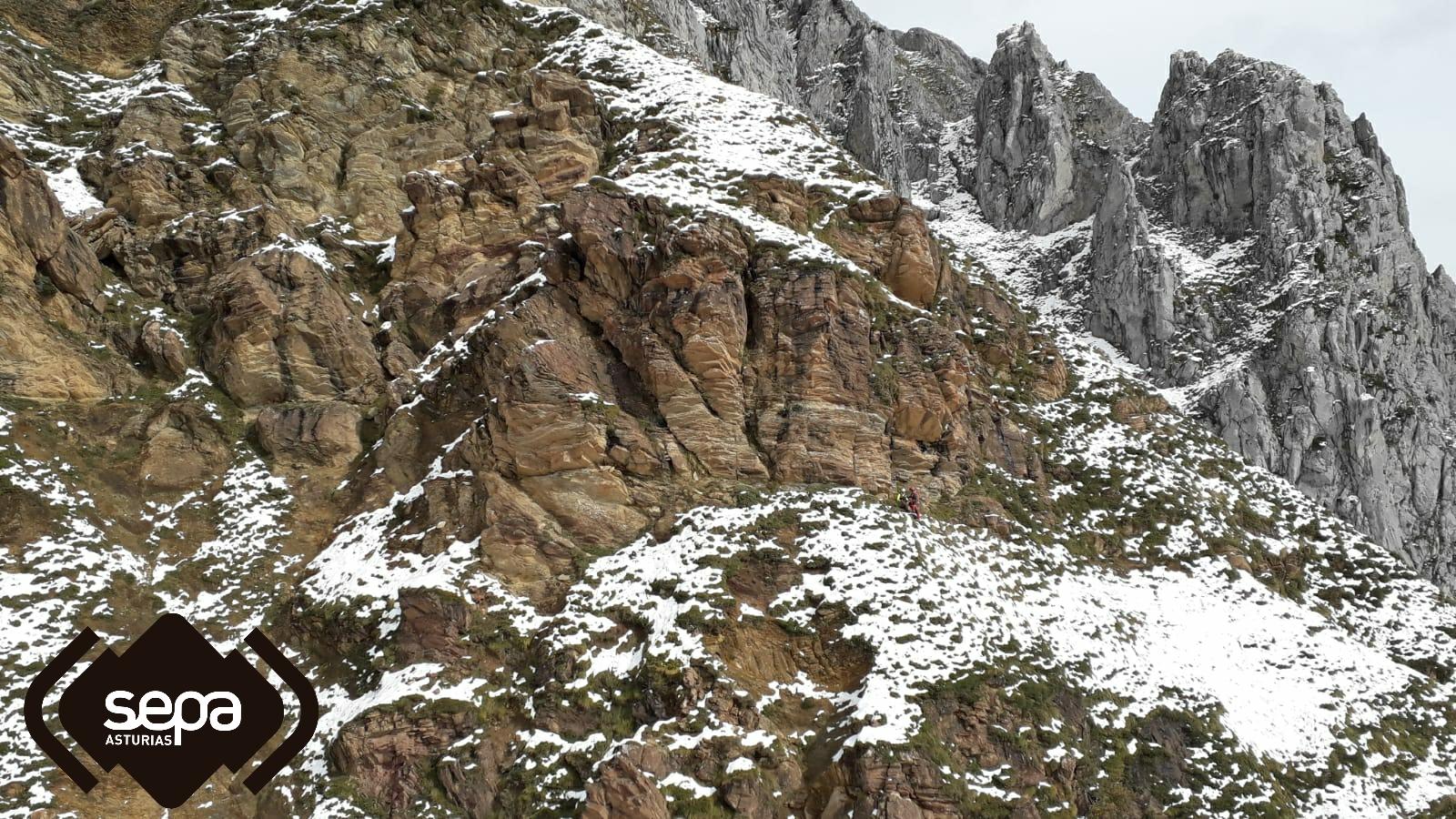 rescate montaña peña ubiña