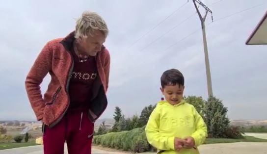 Jesús Calleja y su nieto