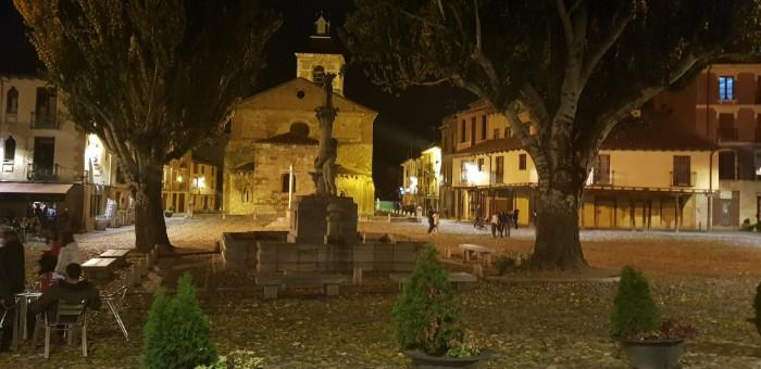 La bella imagen de la Plaza de la Grano de León