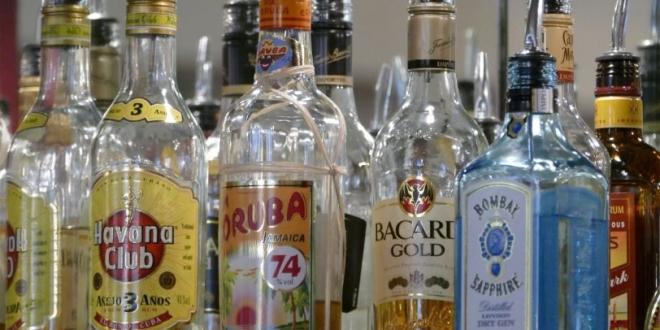 alcohol menores bar leon