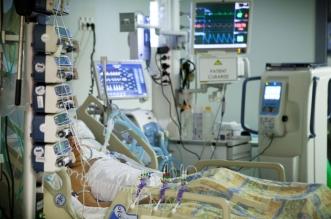 las uci de leon se llenan de pacientes jovenes