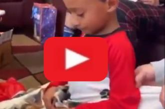 video-regalo-nino-navidad
