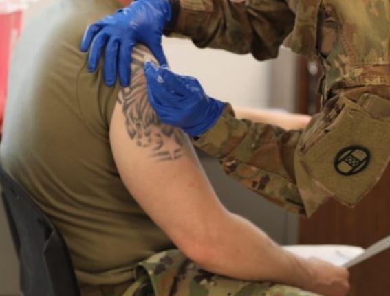 vacunacion-policias bomberos leon (2)