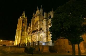polemica nueva iluminacion catedral leon