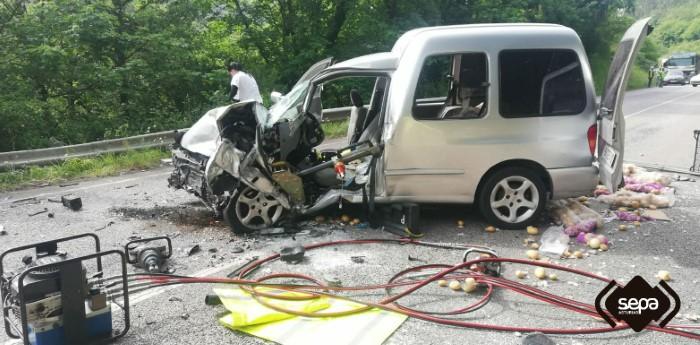 accidente coche río