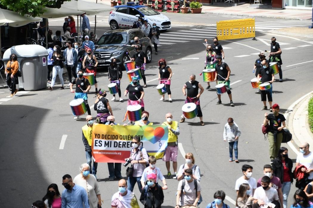 leon manifestacion orgullo lgtbi+