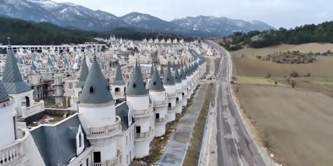 pueblo fantasma castillos disney