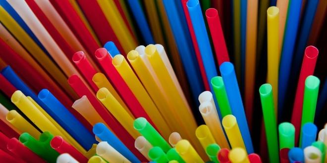 prohibida venta pajitas-platos plastico bastoncillos