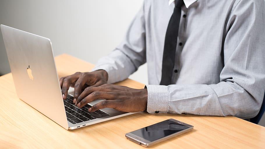 dilema apagar ordenador-Digital de León