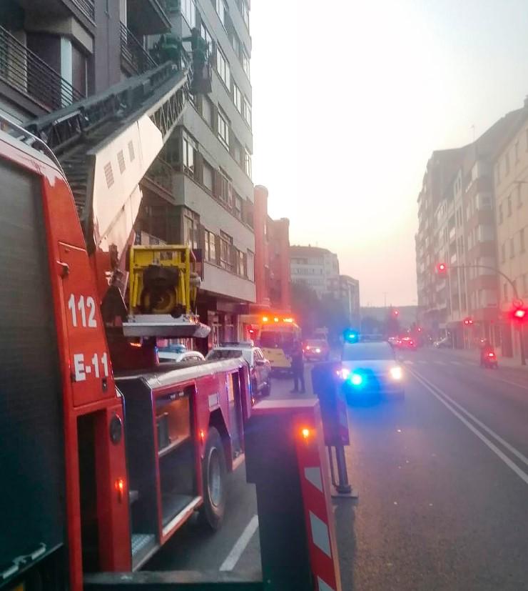 bomberos rescatan mujer leon-Digital de León